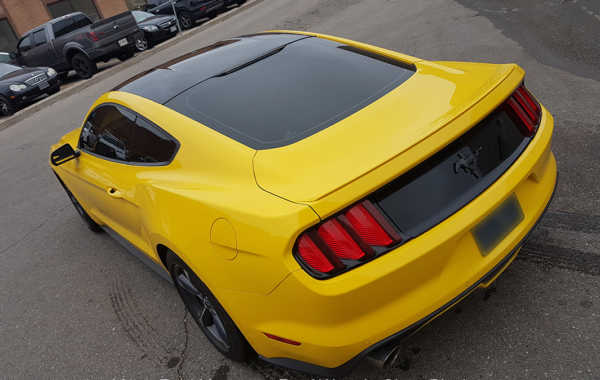 Ford Mustang – Roof Wrap in Gloss Black