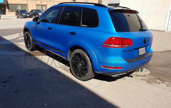VW Touareg Wrapped in Perfect Blue Satin