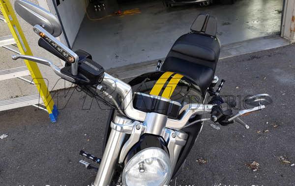 Harley Davidson – Muscle Bike – Gloss Black Wrap with Yellow Stripes