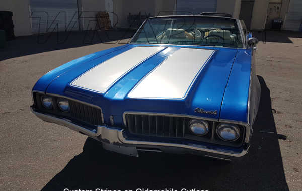 Custom Stripes on Oldsmobile Cutlass